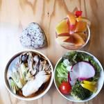 ベジフルキッチン - そばセット1,000円(限定30食/日)