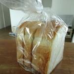 ブーランジェリー ソア - 料理写真:食パン