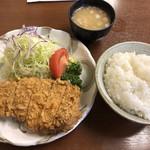 清水屋 - 上ロースカツ定食(1200円)       キャベツ少なめ