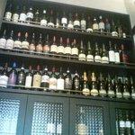 イタリアーナ エノテカ ドォーロ - ワインがいっぱい