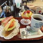 神戸にしむら珈琲店 - 朝食セット(フルーツセット)ホットコーヒー 800円