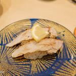 廻転寿司 まぐろ問屋 めぐみ水産 - 炙り金目鯛