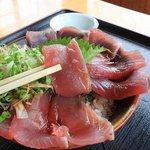 もとや - 海鮮丼 (カツオの丼) 1000円