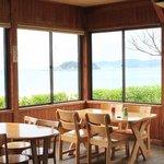 もとや - 海を眺めながら食事ができる