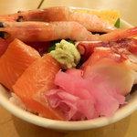 新宿 御さしみ家 - 海鮮丼