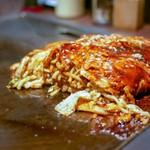 戸田亘のお好み焼 さんて寛 - ☆麺と卵が絡んでいます (●^o^●) ☆