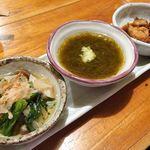 魚哲 - 前菜3種盛り(アユの甘露煮、もずく、おひたし)