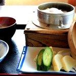 ドライブイン長谷川 - 山菜釜めし定食 1260円