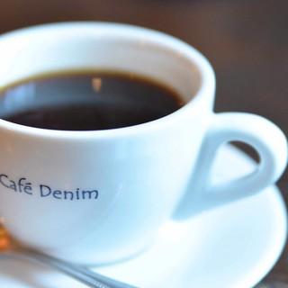 コーヒーは店のオリジナルブレンド◆香り高い一杯をどうぞ*