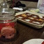 神戸野菜とフルーツ kitchen de kitchen~キッチン デ キッチン~ - ピクルス 可愛い容器に入って出てきました