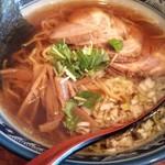 味丸 - 三弦豚チャーシュー麺1050円税込