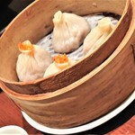 JOE'S SHANGHAI NEWYORK - Joe' s特製 蟹肉と蟹味噌入り小籠包             ('2018.12月)