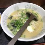 龍鳳 - 料理写真:とんこつラーメン