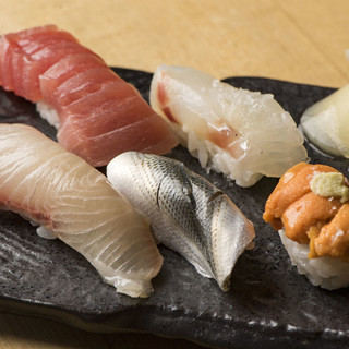 〆に最適なのは本格江戸前寿司。お寿司だけのご利用もお気軽に。