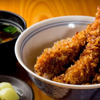 代々受け継がれる秘伝のタレが決め手のランチ限定「大海老天丼」