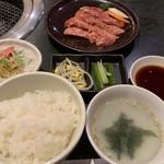 98745411 - 【2018.12.7】牛焼肉カルビランチ1000円