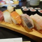 寿司源 藤沢大庭店 - ランチにぎり 830円