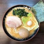 大黒家 - みそラーメン(全部普通)+味玉