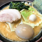 大黒家 - みそラーメン(全部普通)+味玉 アップ
