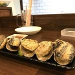 磯っぺ里 - 今日は昼の與五郎から牡蠣づくしです、これは蒸し牡蠣です(2018.12.20)