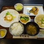 若葉旅館 - 料理写真:ある日の朝食