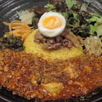 98767132 - 限定(麻婆豆腐咖喱~kiwami~)×ろかプレート