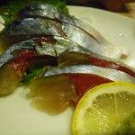 酒場 やまと - ☆〆鯖のお造りも食べたくなります(^◇^)☆