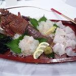 パラダイスガーデンサセボ - 料理写真:各テーブルに一尾、豪快です。