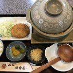 田舎屋 - 料理写真:味噌煮込みラーメン定食