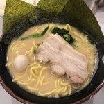達磨家 - 豚骨醤油ラーメン