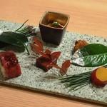 98779543 - 「季節の彩り盛合せ」 白子 薩摩芋 薩摩揚 和牛棒寿司 生麩蒲焼き