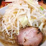 麺屋 カミカゼ - 料理写真:小ラーメン 野菜、背脂増し