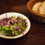 アンシャンテ - ランチのサラダとパン