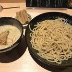 つけ麺専門 がんつけ - 料理写真:つけめん 中盛=850円 メンマ増し=100円