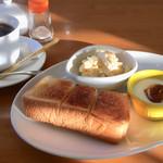 CafeY&M - 料理写真:モーニングセット & ホットコーヒー