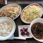栗木台 大勝軒 - 野菜と鶏肉の黒胡椒炒め定食
