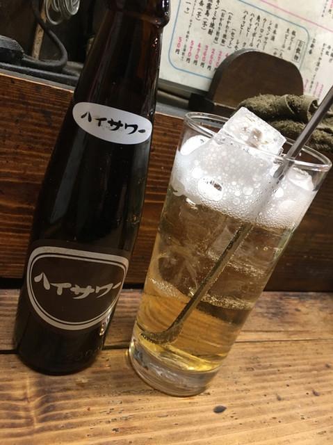 かとりや 溝口店 - 寒いけど、お酒をわるならハイサワー。博水社のハイッピー(クリア&ビター)で‼︎