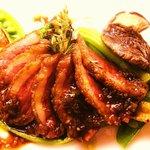 カフー - 鴨胸肉のロースト 石垣島産ピパーツの香り