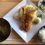 麺処 ちゅるちゅる - 料理写真:海老フライのランチ♪ 1.250円 (うどん→蕎麦に変更+30円)