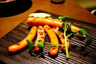 スプリングバレーブルワリー 京都 - 京都ポークのソーセージ3種盛り 自家製キャベツの和ピクルス添え