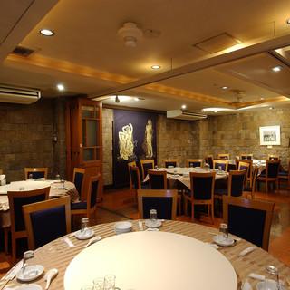 """大小様々な""""個室""""◆2階フロアは最大80名様迄ご案内可能です"""