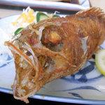 いたこ丸 - いたこ丸定食(上)のカサゴの唐揚げ