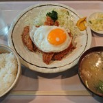 ホトリ - Aランチ ¥500-