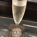 圭蔵 - 日置桜の山滴る特別純米生酒