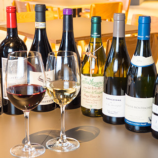 豊富なボトルメニューはワイン好き必見!ティータイムもどうぞ。