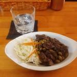 カトマンドゥ - チキンと豆のアレ、と、えーとアレ(ばk