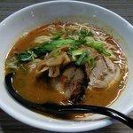 麺や輝の穴 - 担々麺@780 骨太なスープを活かしたオリジナルな担々麺