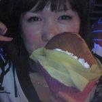 S.GRAVITY - 季節のクレープ『でかもっちり生クリームどら焼きMAX ¥500』巨大どら焼きが入ったクレープ。超人気商品でした。またやりますね!