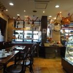 カフェ・ド・ジーベン - 喫茶コーナー