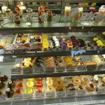 カフェ・ド・ジーベン - 美味しそうなケーキ達.